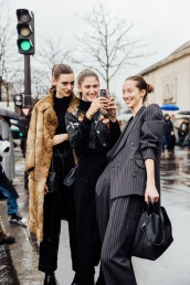 street_style_paris_fashion_week_dia_4_acne_elie_saab_comme_des_garcons_80140436_800x